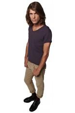 T-Shirt personaliizata con scollo a V